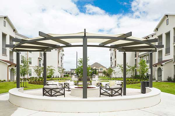 outdoor_living_space_commercial